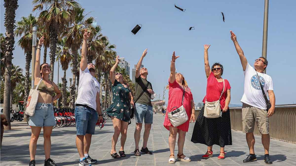 El Congrés aprova el final de les mascaretes en exteriors en plena cinquena onada