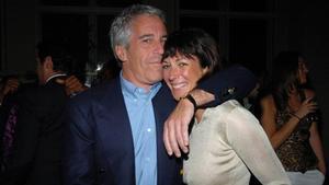 Jeffrey Epstein y Ghislaine Maxwell, en el 2005.