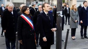 La alcadesa de París, Anne Hidalgo, en un acto con el presidente francés Emmanuel Macron.
