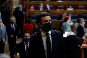 Pablo Casado, este miércoles, llega a su escaño en el Congreso.
