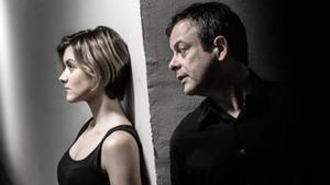 Mima Riera y David Bagés, en 'Paraules encadenades', dirigida por Sergi Belbel en La Villarroel.