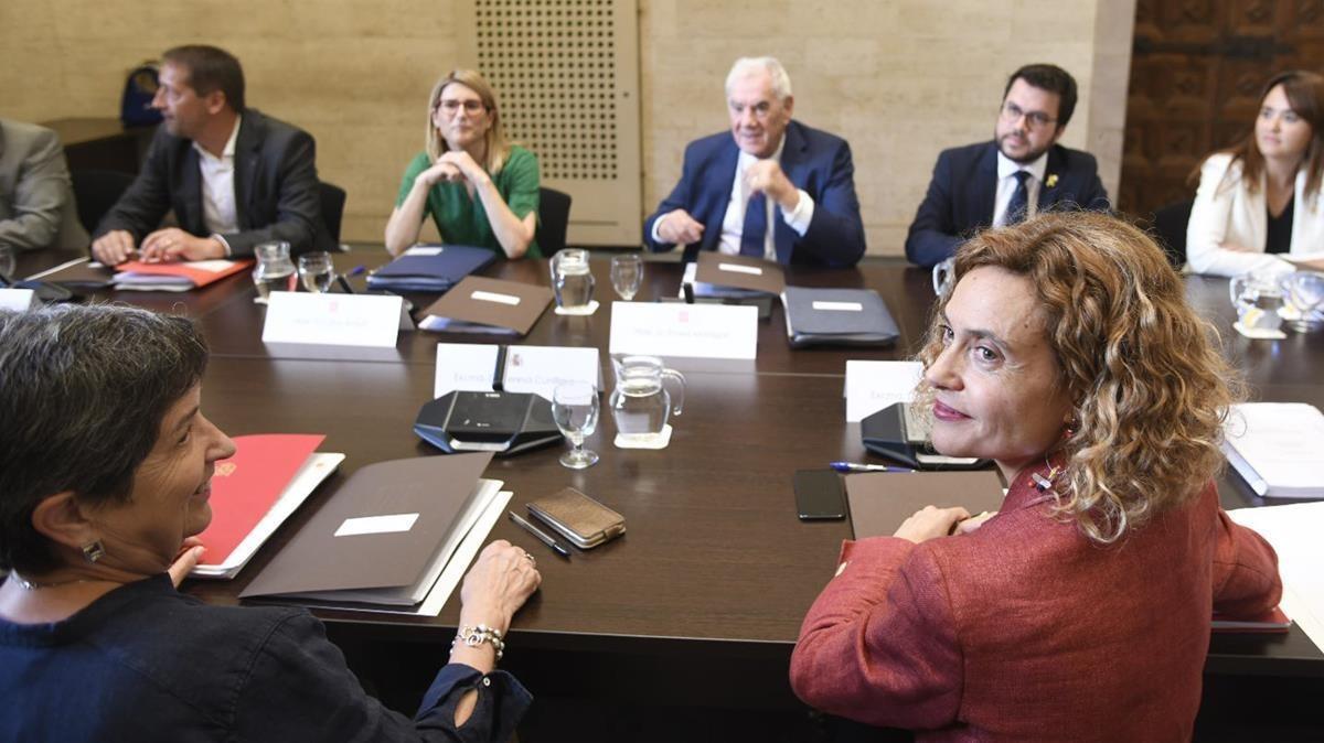 Batet (en primer plano) y Maragall, en la Comisión Bilateral Estado-Generalitat, este miércoles.