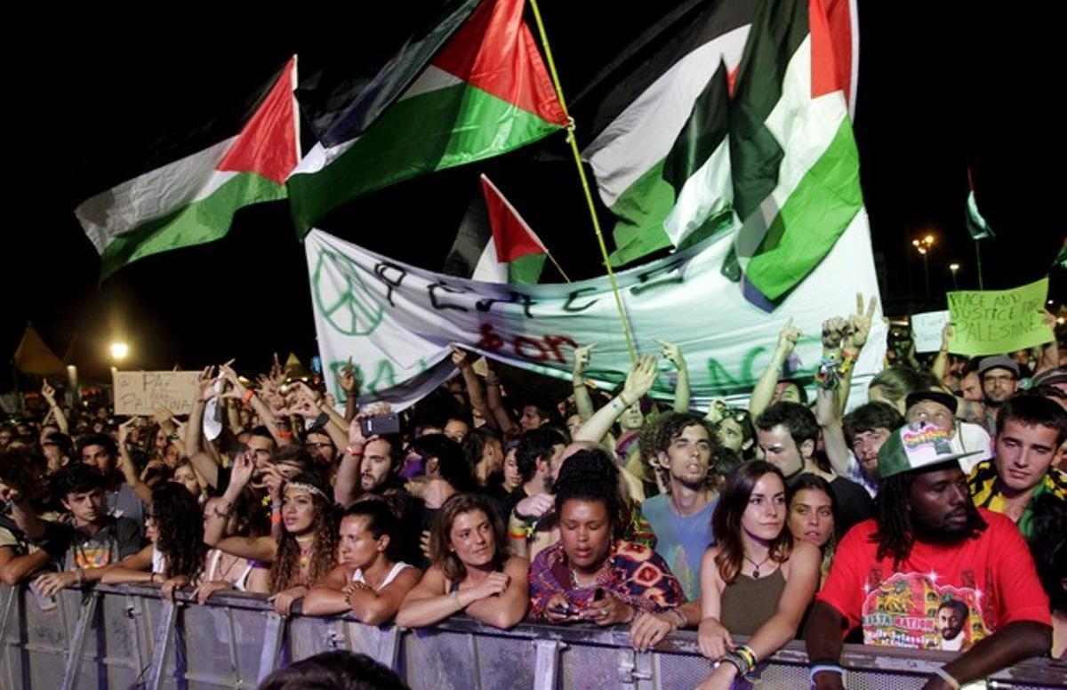 Parte del público que asistió al concierto de Matisyahu en el rototom, en la madrugada del sábado al domingo.