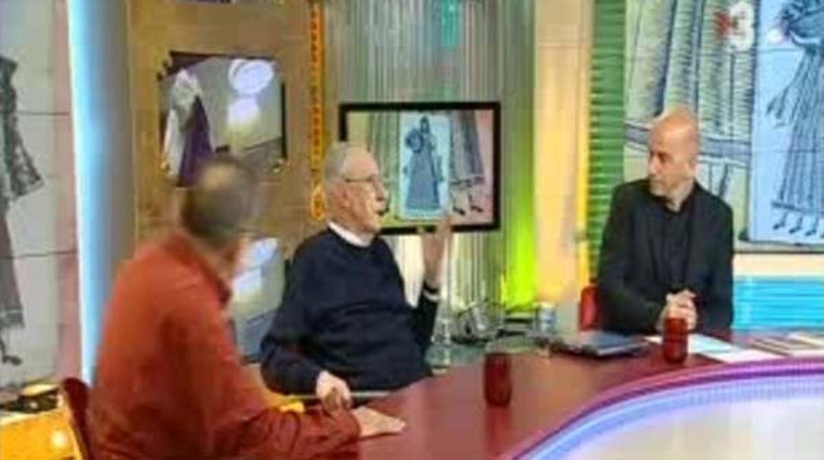 El Pare Manel y mosén Ballarín, ayer, en `Divendres¿ (TV-3).