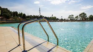 Sant Boi abre al público las nuevas piscinas de la Muntanyeta