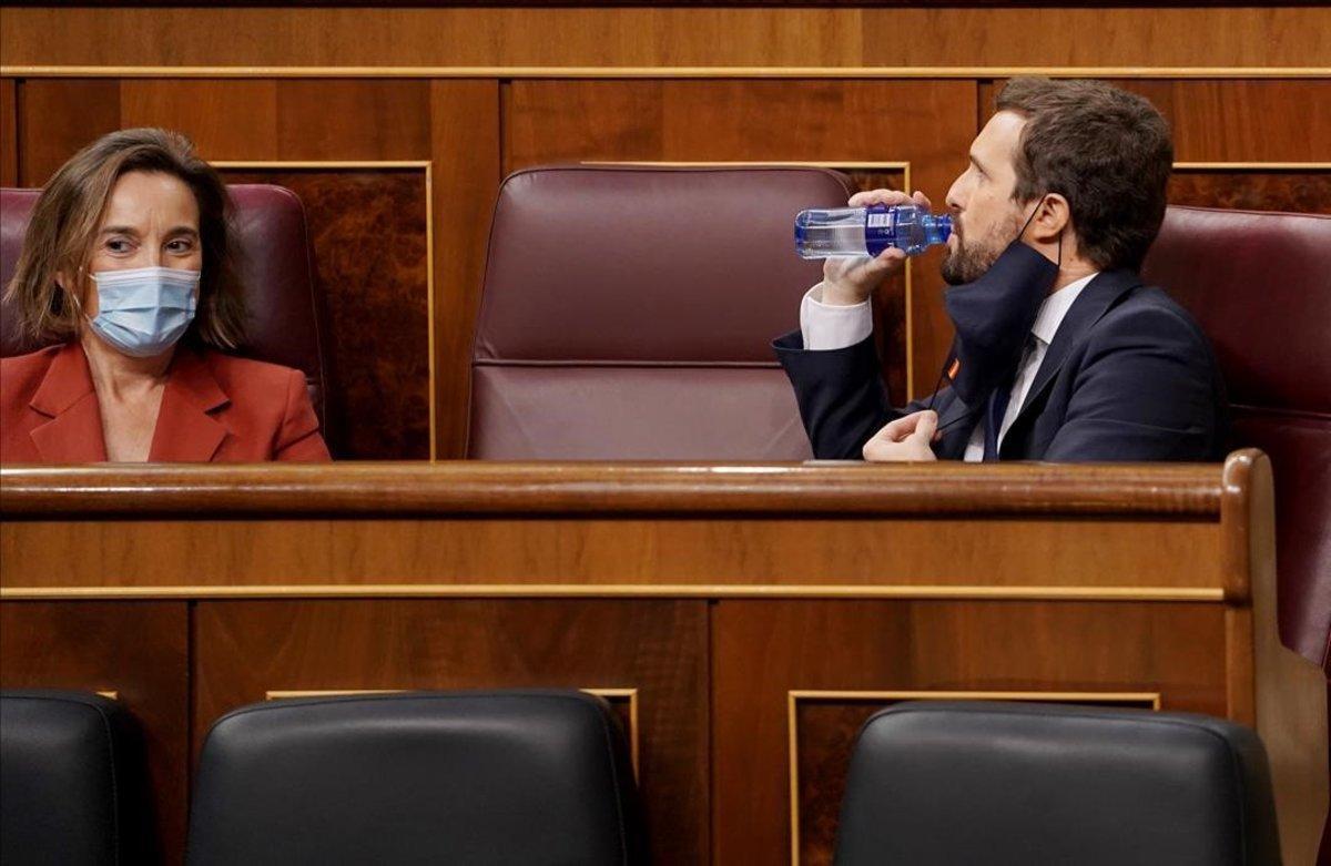 Pablo Casado y Cuca Gamarra, portavoz del PP, este jueves en el Congreso.