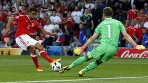 Taylor, en la jugada del gol que marcó ante el portero ruso.