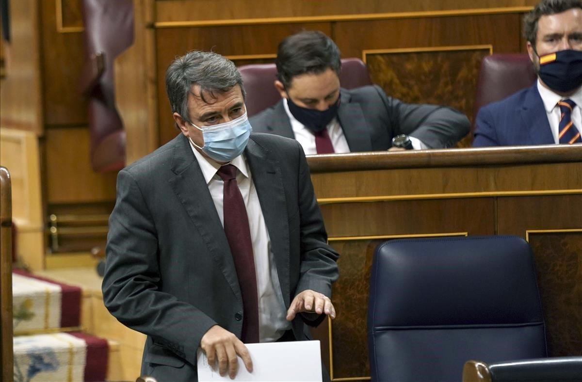 El portavoz del PNV en el Congreso, Aitor Esteban, durantela mocion de censura de Vox contra el Gobierno.