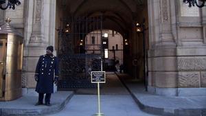 Entrada del edificio Dakota, en Nueva York, este diciembre.