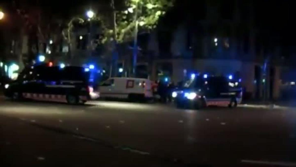 La intervención de los Mossos en Barcelona con uso de lanzaderas antidisturbios en la zona en la que estaba Ester Quintana.