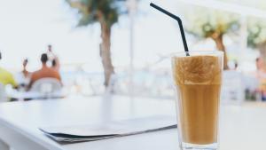 Cafeïna per a l'estiu: 3 propostes més enllà del cafè amb gel
