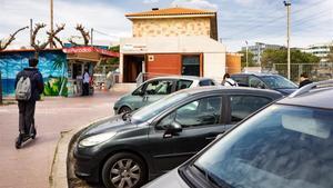 Actual aparcamiento gratuito en la estación de Ferrocarrils en Sant Cugat, donde se construirá uno nuevo de dos plantas.
