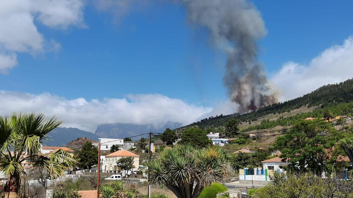 Volcán en erupción en La Palma