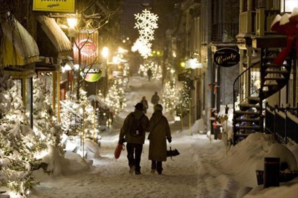 Una calle de Quebec, completamente cubierta por la nieve.