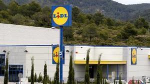 Un supermercado de la cadena Lidl en Sitges.