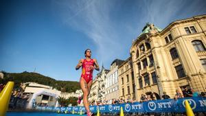 Miriam Casillas, en 2020, durante el triatlón de Copa del Mundo celebrado en la ciudad checa de Karlovy Vary.