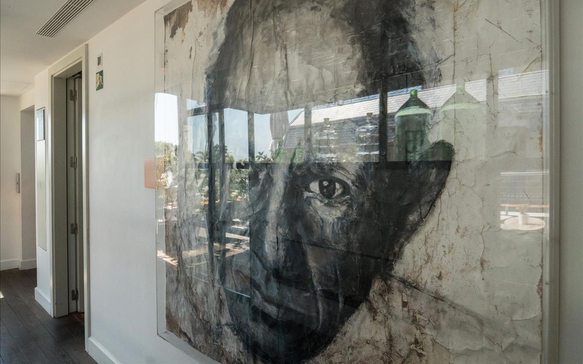 En la azotea del Hotel The Serras, donde Picasso tuvo su primer estudio, es uno de los pocos sitios donde se homenajea la memoria del genio.