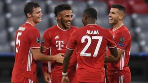 Los jugadores del Bayern celebran uno de los goles.
