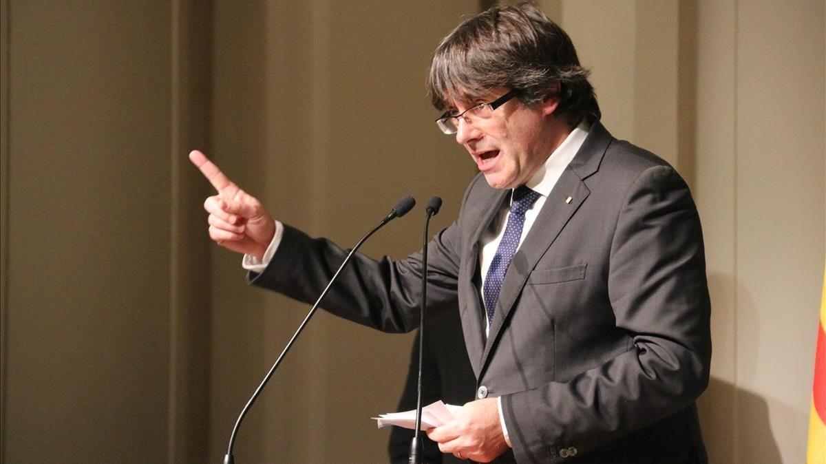 Carles Puigdemont, durante su discurso en el acto de Bruselas con alcaldesdel pasado 7 de noviembre.