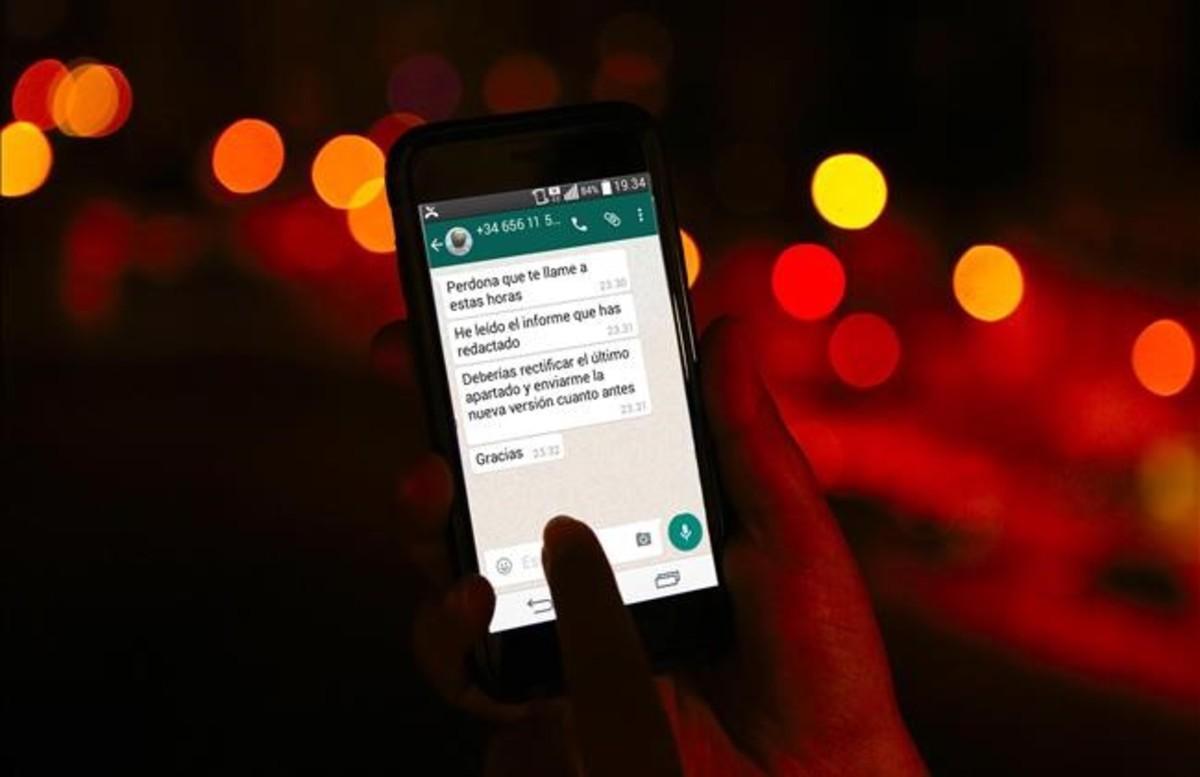 Aplicación del whatsapp en un teléfono móvil.