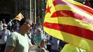 El coordinador general de EH Bildu,Arnaldo Otegi,en la manifestacion convocadaen San Sebastián en apoyo al proceso soberanista catalán.