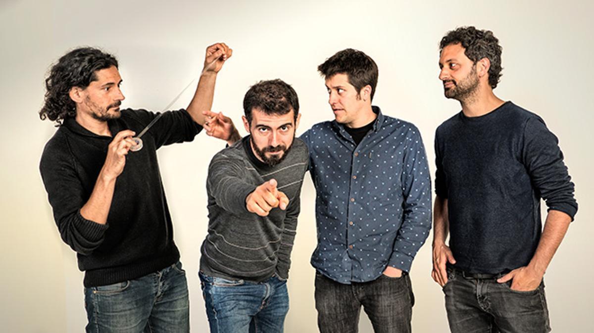 El grupo barcelonés interpreta 'Salvador' en acústico.