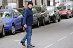 El pederasta confeso de los Maristas, Joaquim Benítez,saliendo de la Audiencia de Barcelona.