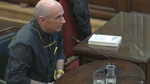 Lluís Llach declara ante el Tribunal Supremo.