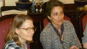 Jodie Foster visita a la hija de Raúl Castro.