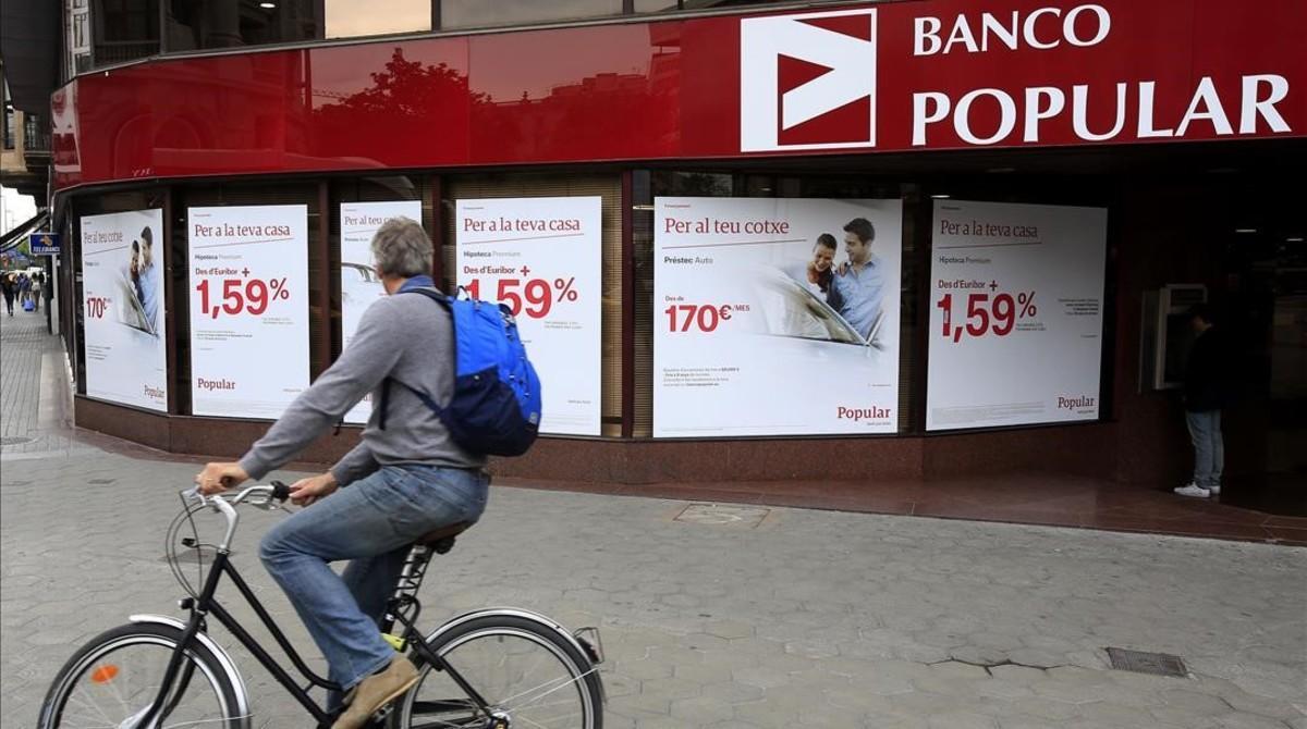 Fachada del Banco Popular en el paseo de Gràcia de Barcelona.