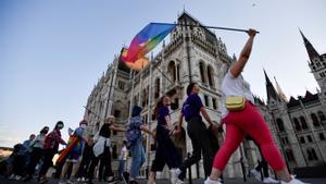 Les set claus de la polèmica llei de pedofília i homosexualitat a Hongria