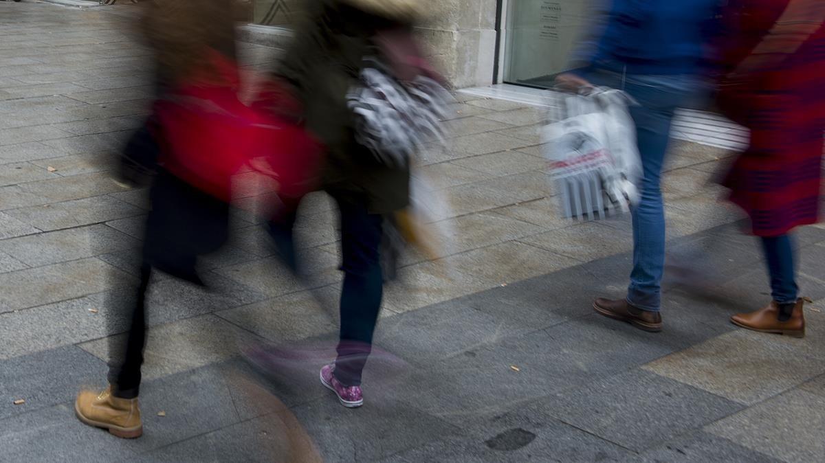 Día de compras en el centro de Barcelona.