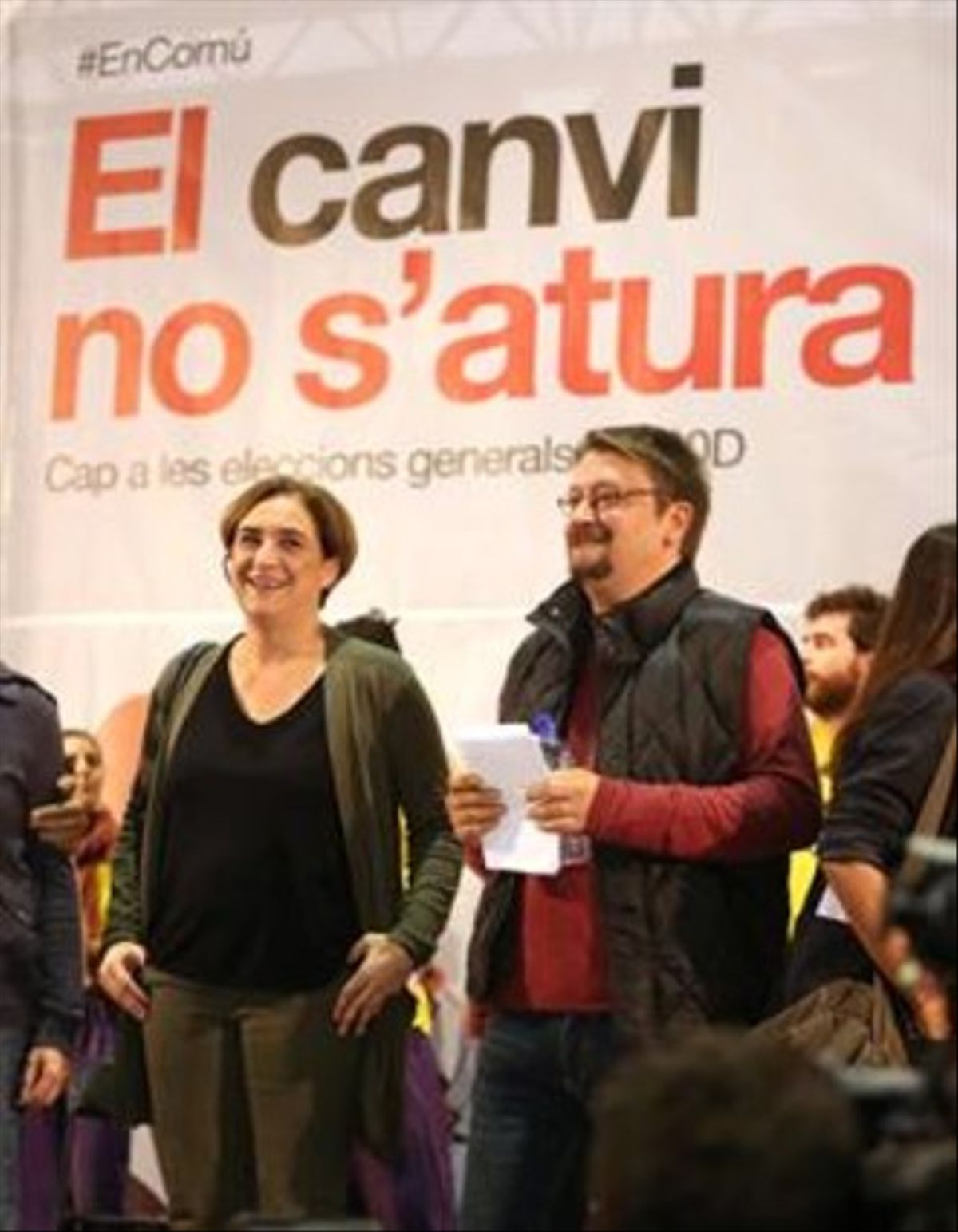 La alcaldesa de Barcelona, Ada Colau, y el candidato de 'En Comú Podem', Xavier Domènech.