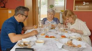 Almuerzo en casa de Teresa Moreno (TV-3).