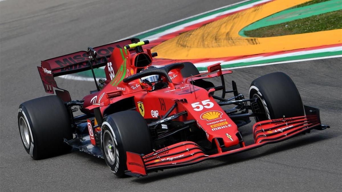Sainz rueda en Imola.