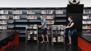 Les biblioteques de Barcelona reobren a mig gas