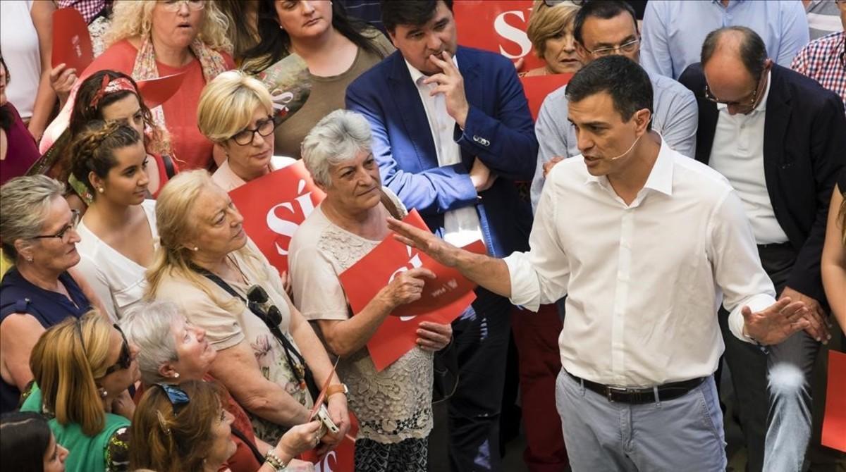 Pedro Sánchez, este lunes durante un acto en Huelva.