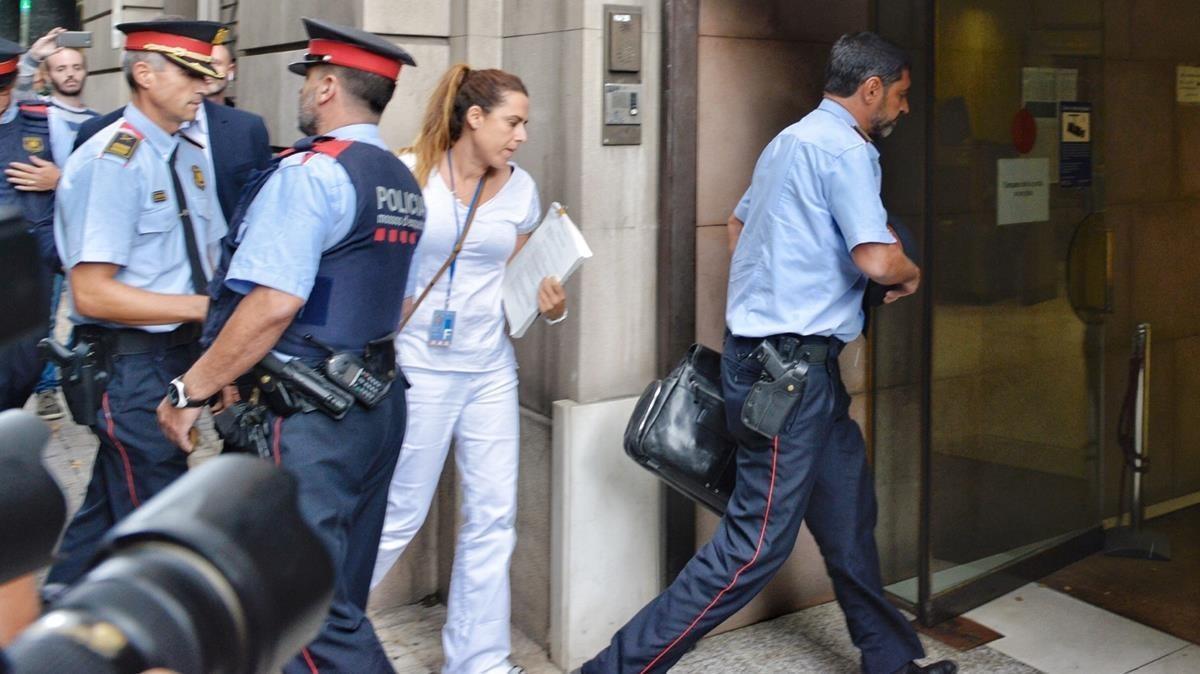 El 'major' de los Mossos, Josep Lluís Trapero, entra en la Fiscalía este martes.