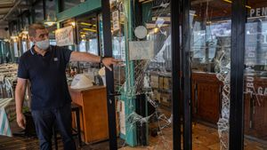 Destrozos en el Restaurante l'Escamarlà