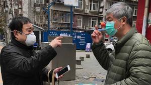 La ciudad de Wuhan, capital de la provincia de Hubei, en la que comenzó a propagarse masivamente el brote de coronavirus, levantará el 8 de abril la cuarentena que impuso a sus habitantes el pasado 23 de enero, anunciaron hoy las autoridades municipales.