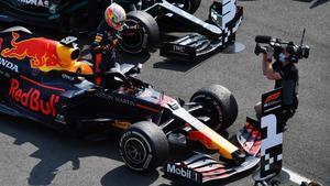 Max Verstappen (Red Bull) gana en Silverstone con los neumáticos duros.