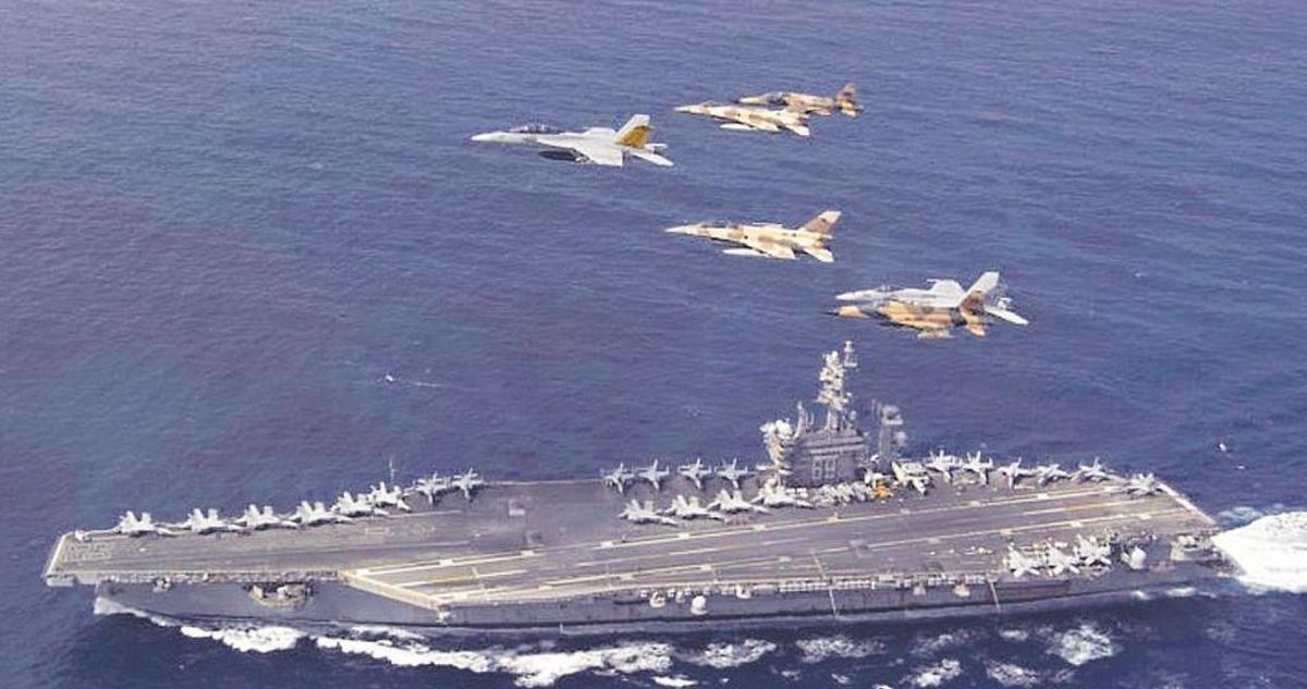 Maniobras militares de EE UU al norte de Canarias.