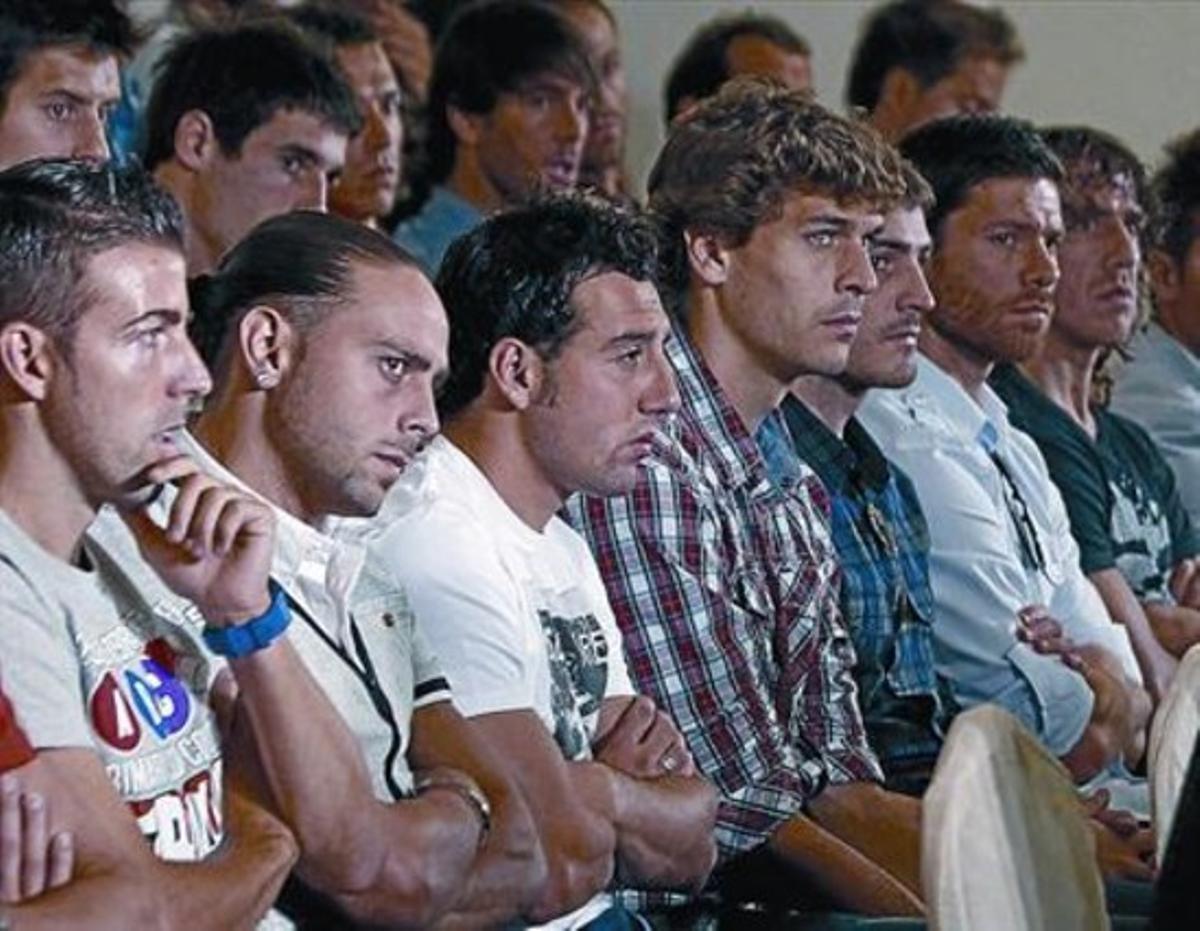 Luis García, Sergio García, Cazorla, Llorente, Casillas, Xabi Alonso y Puyol (de derecha a izquierda), ayer.