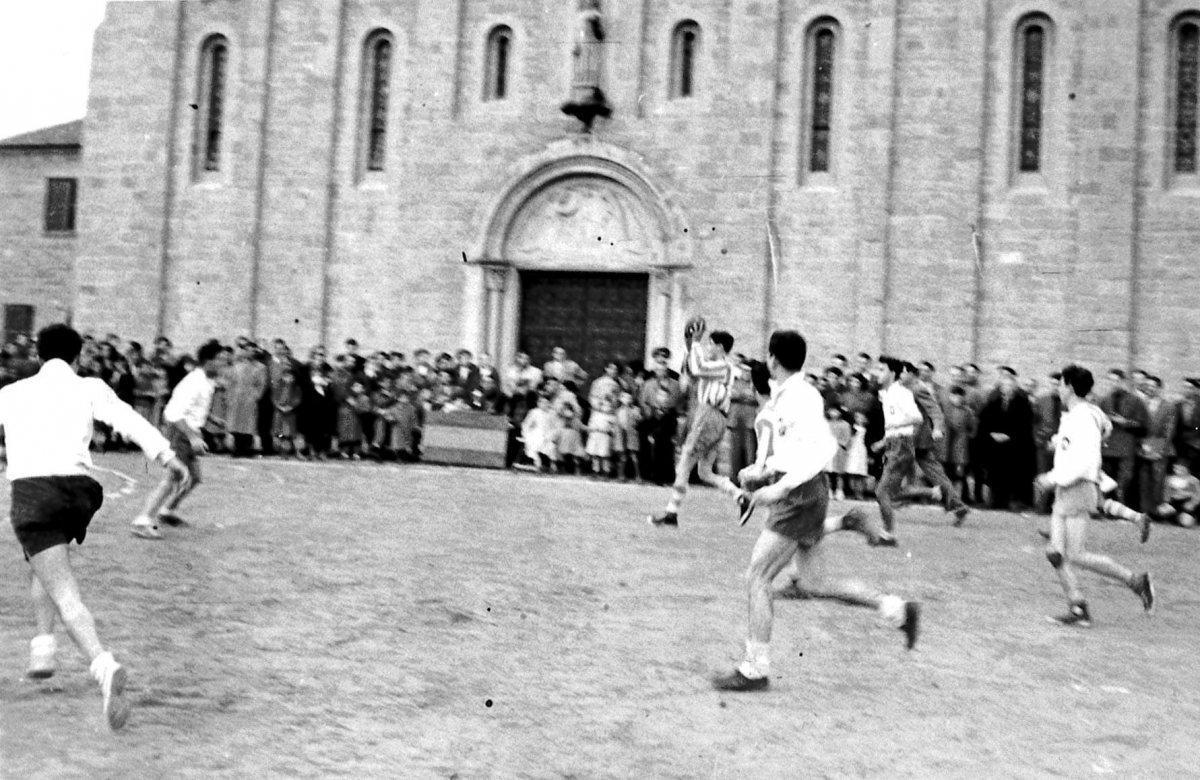 Parets del Vallès encarrega un llibre sobre els 65 anys d'història del Club Handbol Parets
