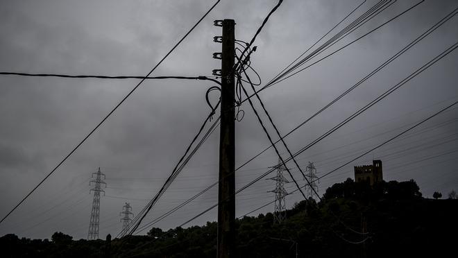 Vecinos de Torre Baró denuncian cortes de electricidad