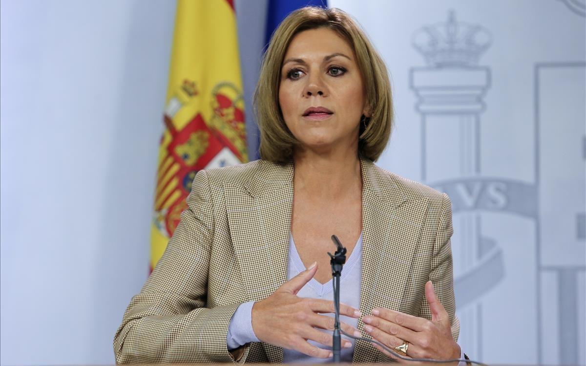 La ministra de defensa, María Dolores de Cospedal,confirma que son dos los militares expedientados por el vídeo del tanque.