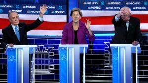 Mike Bloomberg, Elizabeth Warren y Bernie Sanders, en un momento del acalorado debate.