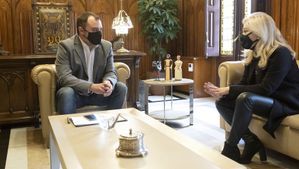 Reunión entre Jordi Ballart, alcalde de Terrassa, y Cesca Berenguer, alcaldesa de Viladecavalls