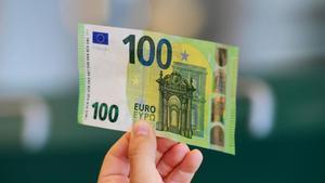 Nuevo billete de 100 euros.