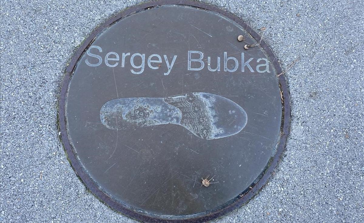 Sergey Bubka, un adicto a batir una y otra vez su récord de salto con pértiga.